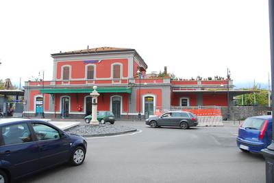 Pompei train station