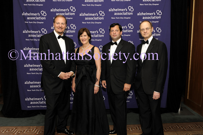 "NEW YORK-June 1: Charles Fazzino, Lou-Ellen Barkan,  Frank J. Bisignano, David Hyde Pierce attend Forget-Me-Not"" Gala—An Event to Benefit the Alzheimer's Association, New York City Chapter on Monday, June 1, 2009 at The Pierre Hotel, 2 East 61st Street at Fifth Avenue, New York City, NY (Photo Credit: Christopher London/ManhattanSociety.com)"
