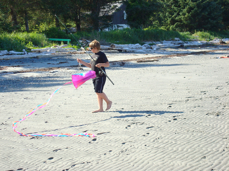 Why didn't we think of putting a kite on a fishing rod?