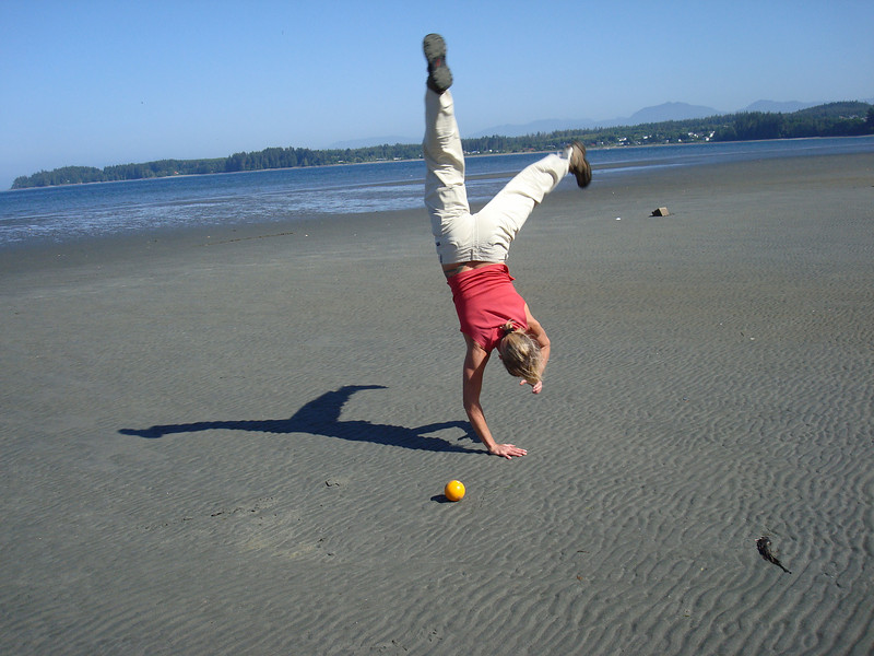 """bar tricks at the beach - """"pretend there's a margarita in my hand"""""""
