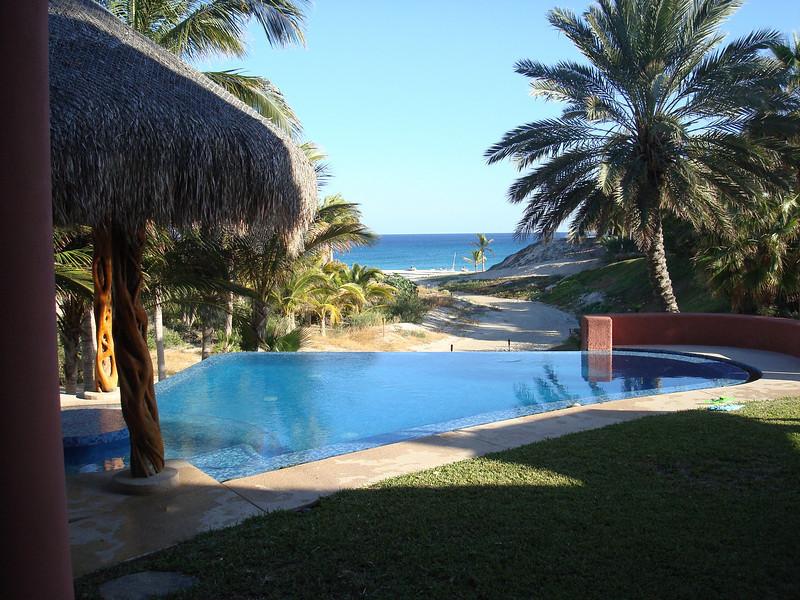 the eternity pool at Casa de Suenos