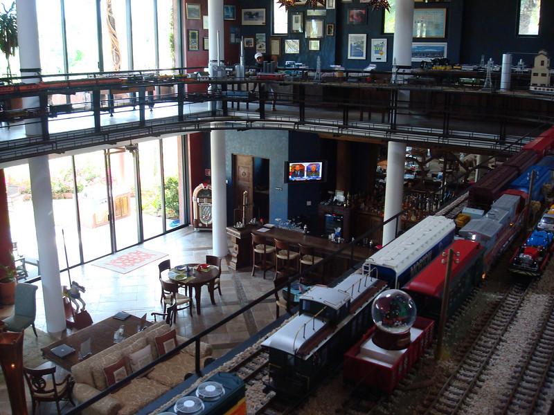 upstairs in the bar at Casa de Suenos, trains running everywhere