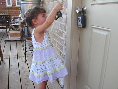 Mia the Lock Picker