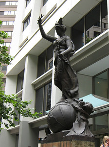 Statue close to the opal museum.