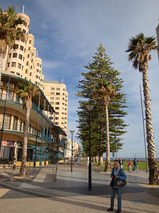 After Perth it was off to Adelaide to visit my mother (in blue), who has the decency to live right on the beachfront at Brighton! Glenelg here is a 45 min walk away.