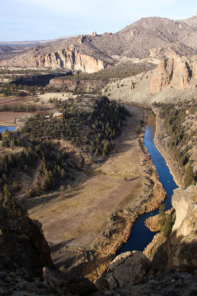A portion of the Crooked River as it winds past Smith Rock.