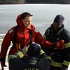 20090108_bridgeport_conn_fd_ice_rescue_training_lake_forest_DP-101
