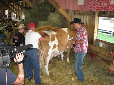 CH19 Jeff Tanchak Milking @ The Fair!