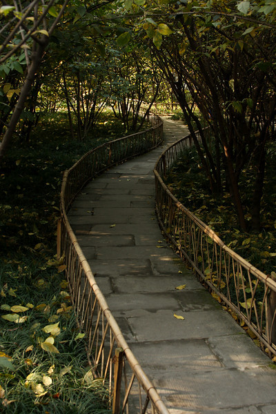 We're positively reveling at this point in the vast difference between these quiet clean gardens and the mad streets of Beijing.