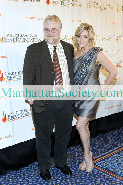 "NEW YORK-NOVEMBER 9: Actors Philip Seymour Hoffman and Jane Krakowski attend Christopher And Dana Reeve Foundation 19th Annual ""A Magical Evening"" Gala on Monday, November 9, 2009 at The Marriott Marquis, 1535 Broadway, New York City, NY.  (Photo Credit: ©Manhattan Society.com 2009 by Christopher London)"