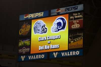 Clark vs Del Rio ... Photos by Steve Fisher