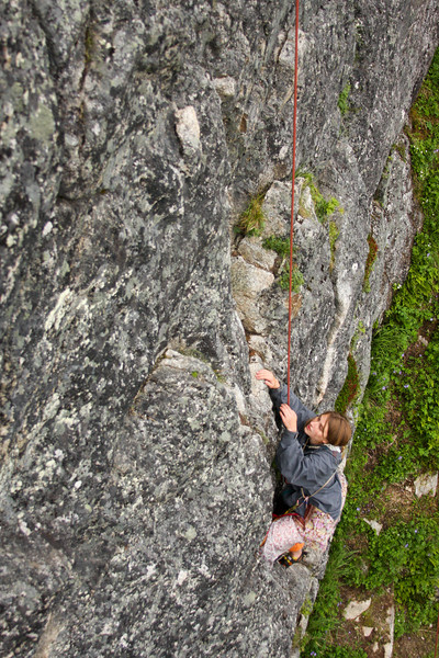 Tracy sorts out her options for holds as she moves upward on <i>Toto 5.7</i>.