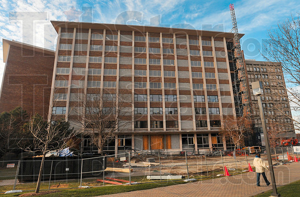 Tribune-Star/Joseph C. Garza<br /> Room renovations: Indiana State UniversityÕs new campus master plan calls for updated student housing like the renovation at Sandison Hall.