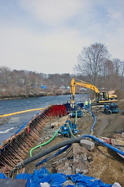 Cofferdam on the Cocheco River for new bridge