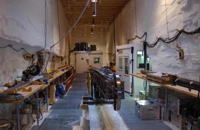 The drill trench ready for action.<br /> <br /> Borehallen klar til brug.