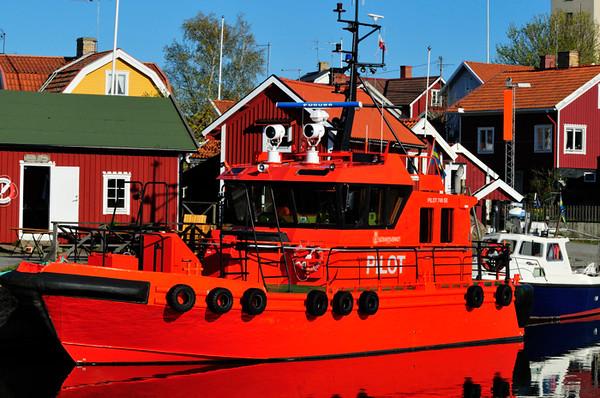 Lotsbåten är gjord för att synas....