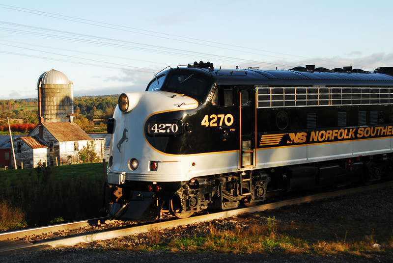 NS 4270 greats the sun at S