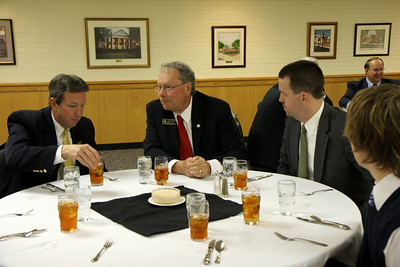A dinner for and recognition of a few of Gardner-Webb's new trustees; February 26, 2009.
