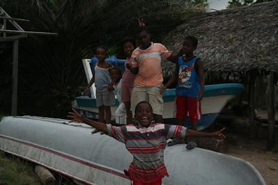 Garífuna kids on a boat