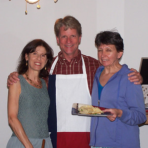 Patricia (wife of HP France friend Olivier), me, building manager Mary. Mary looks worried
