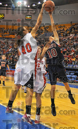 Stopper: Terre Haute South's Dragana Grbic blocks a shot by Patriot Lindy Jones early in their Friday night contest.