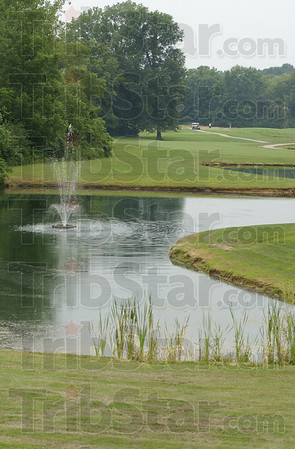 Signature: Water hazards add to the beauty of #18 at Hulman Llinks.