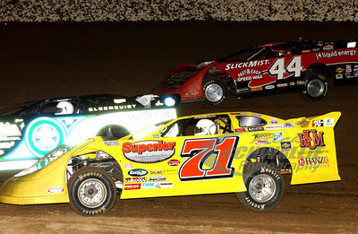 71 Don O'Neal, 0 Scott Bloomquist and 44 Earl Pearson, Jr.