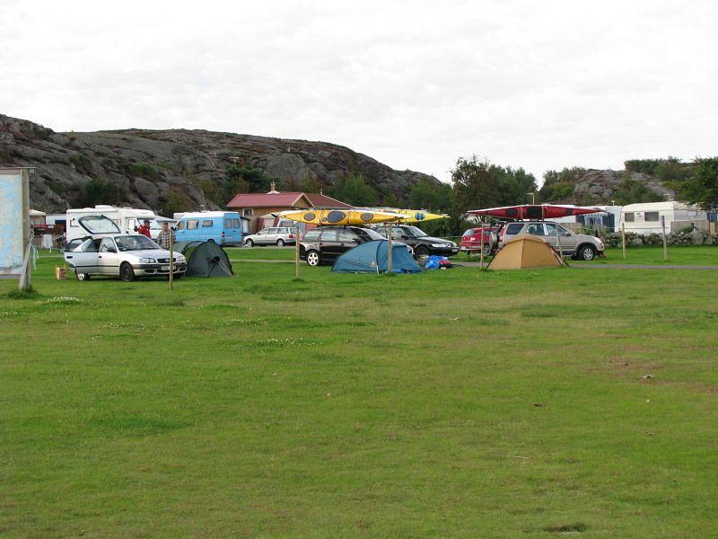 Här sov vi måndagnatt innan gräsmattan var full med vatten på fredagen