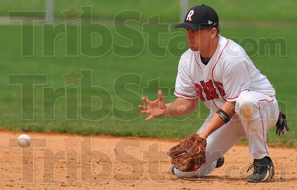 Good hands: RHIT secondbaseman Andrew Pinkstaff waits on a ground ball.