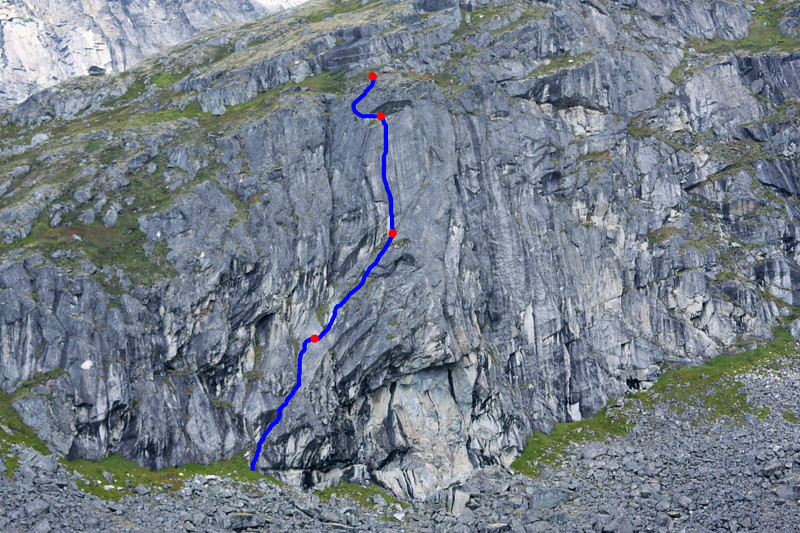 The new route <i>Rise 5.9</i> established by John Borland, Tracy Borland, Kelsey Gray, and Dane Ketner on August 20, 2009.