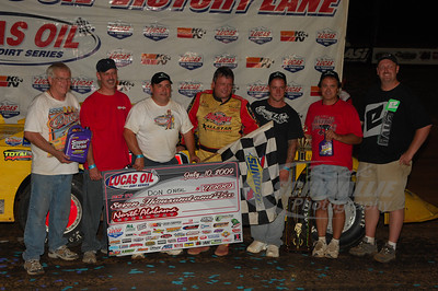 Don O'Neal and crew in Victory Lane @ North Alabama Speedway
