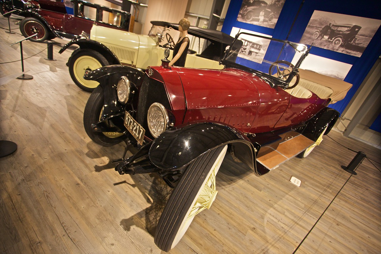 A 1917 Owen Magnetic model M-25 tourer. At $3,650 when new, this car was one of the most expensive of its time, when the average price of new cars was about $1,000. (In the Fountainhead Antique Car and Auto Museum, Fairbanks.)