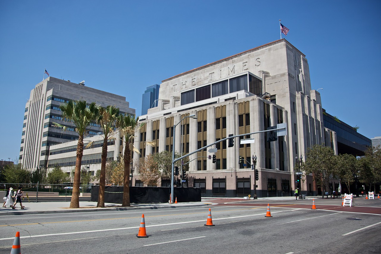 The Los Angeles Times Building. The cones on the road have been laid out in preparation for the parade celebrating the bicentenary of Ecuadorean independence which I saw taking place about forty-five minutes later.