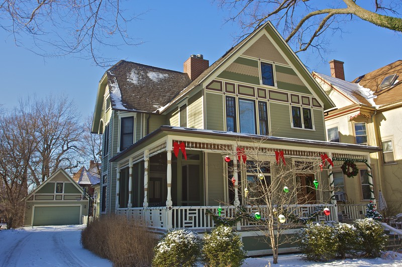 A house in Oak Park decorated for Christmas.