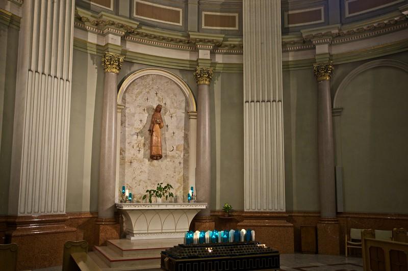 Lady chapel, Cathédrale Marie-Reine-du-Monde.