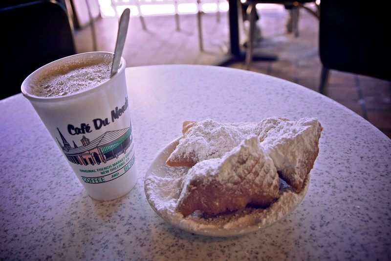 "Beignets and café au lait at the <a href=""http://en.wikipedia.org/wiki/Caf%C3%A9_du_Monde"" title=""Café du Monde - Wikipedia, the free encyclopedia"">Café du Monde</a>, for which the New Orleans café is especially famous (indeed, it serves little else)."