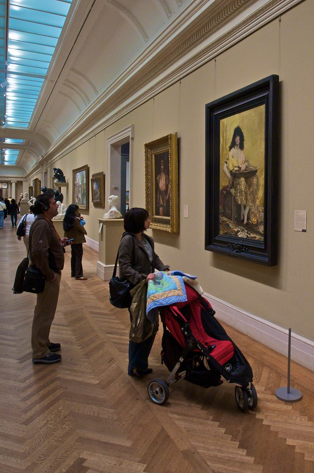 Visitors in the European painting galleries. (Met.)