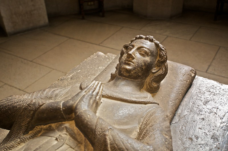 A tomb in the Gothic chapel. (Cloisters)
