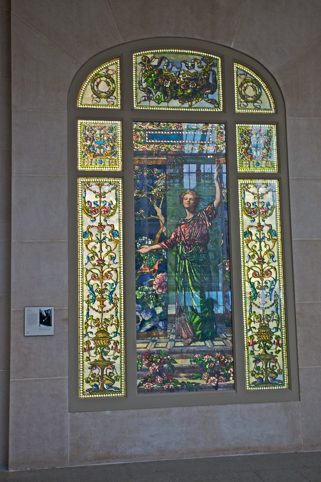 'Welcome' by John La Farge (1835–1910), a piece of stained glass installed in the atrium of a private New-York home. (Met.)