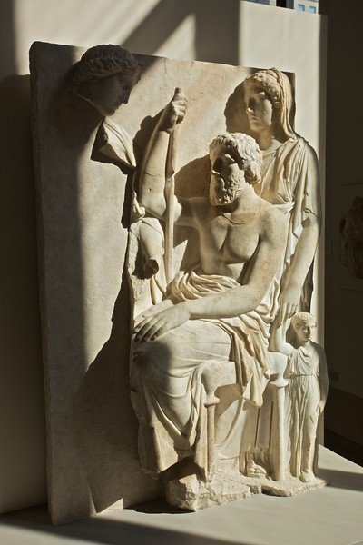Marble grave stele with a family group (Attic, c. 360 B.C.). (Met.)