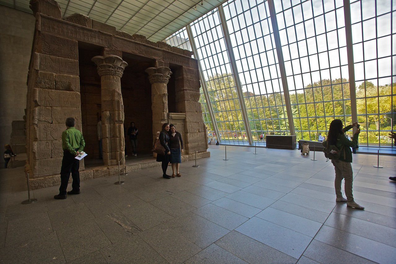 Looking at the outside of the Egyptian Temple of Dendur. (Met.)