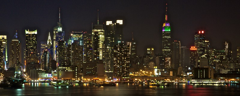 Midtown Manhattan from across the Hudson River at Weehawken, New Jersey.