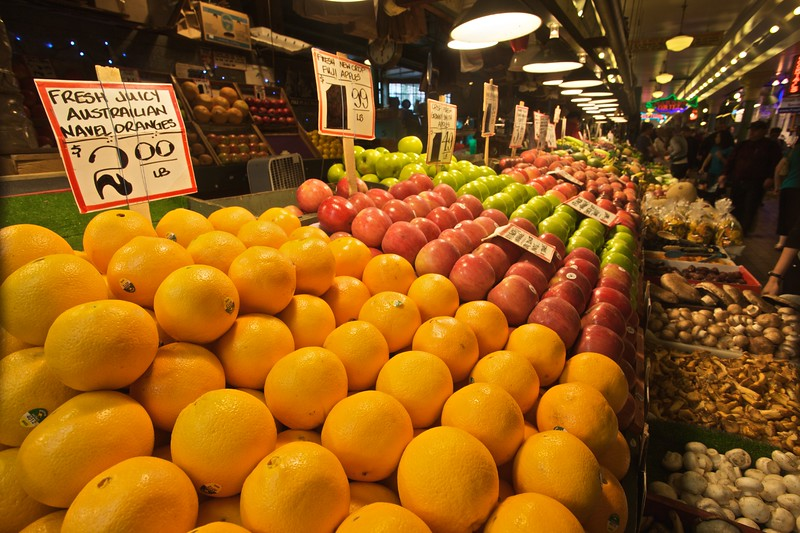 Fruit neatly arranged for sale in Pike Place Market. And yes, that sign really does say 'Austrailian'.