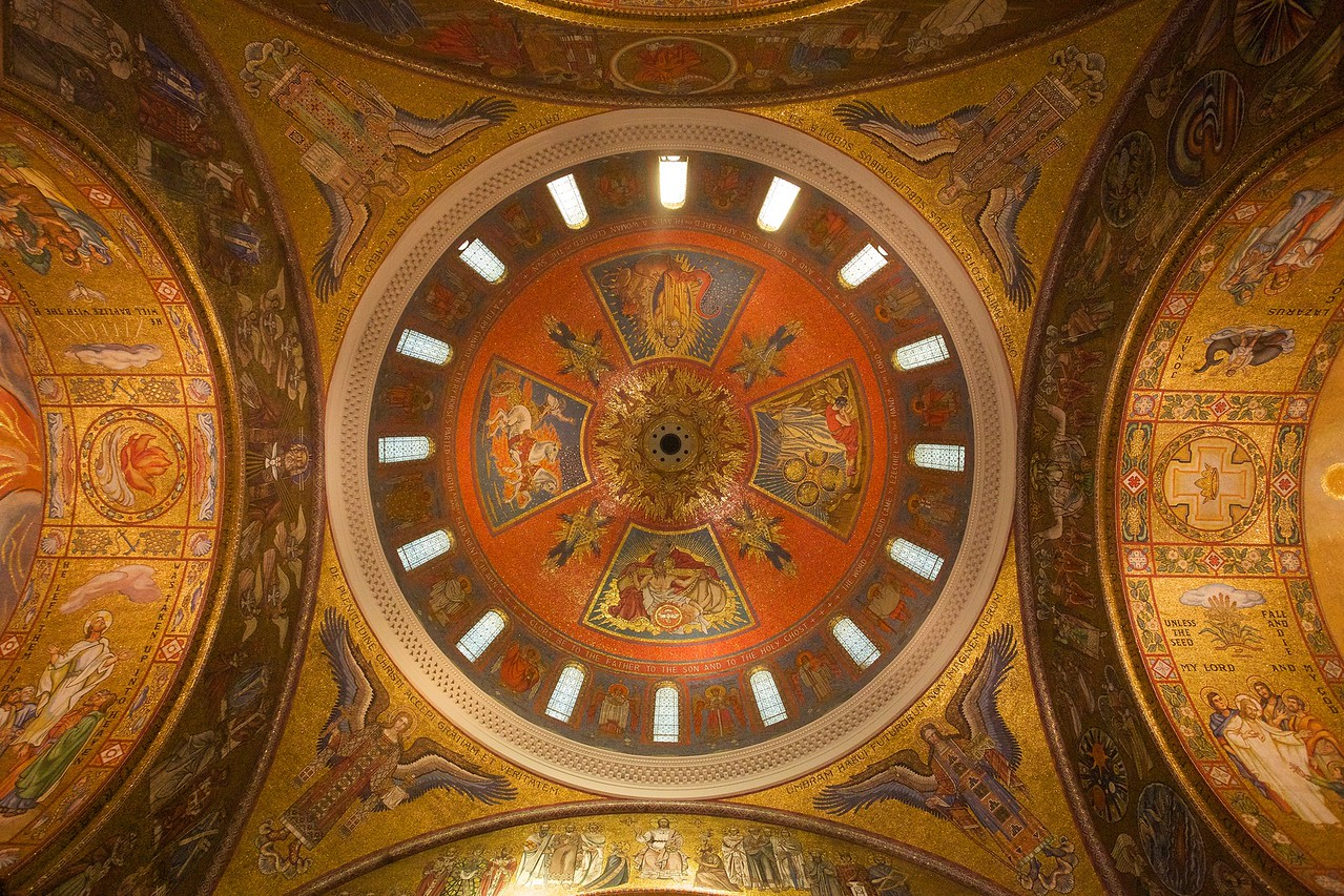 Looking up at the inside of the main dome (over the crossing) in the basilica at St Louis.