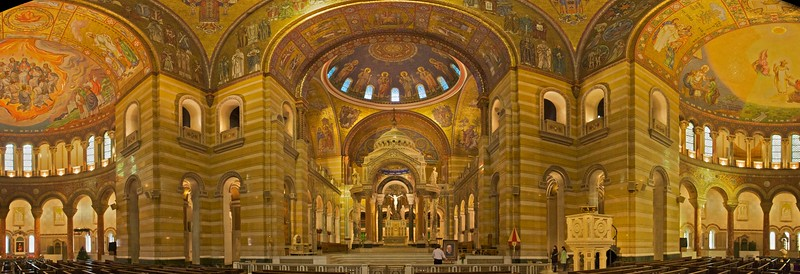 Inside St Louis Basilica: looking towards the sanctuary with a nearly-180º field of view, down the transepts.