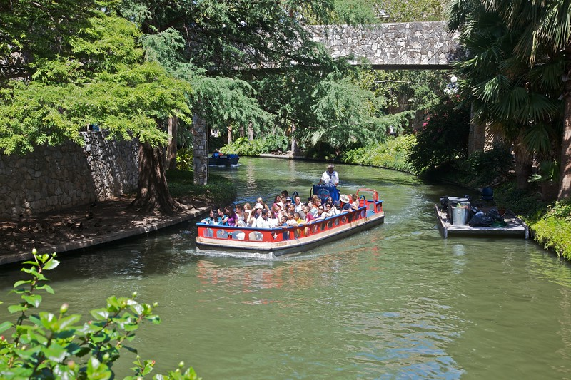 One of the frequent barge tours along the San Antonio river and interconnecting canals in the city of San Antonio.