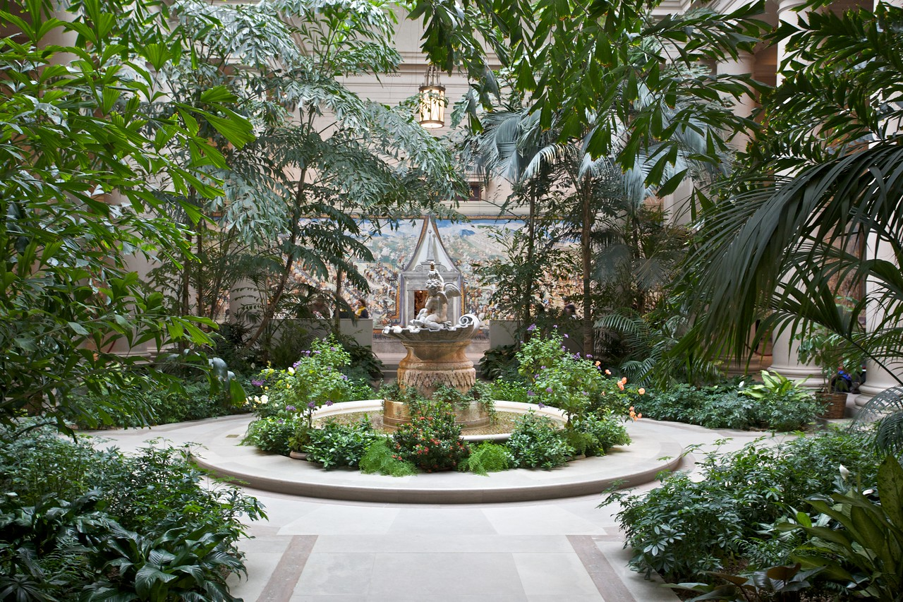A garden courtyard in the National Gallery of Art.