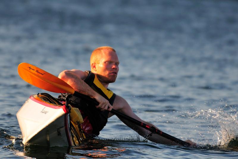 Lågt stöd, som dykinstruktör är man inte rädd för vatten, man lär sig umgås med det....