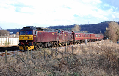47760 passes Mirfield en route back to Carnforth with 5Z83 1255 ecs from Barnetby off the previous day's Cleethorpes-Kings Cross steam tour. 37676 is d.i.t. (01/03/2009