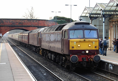 47804 arrives at Loughborough with Railtourer's 1Z30 0624 Bedford-Carlisle charter. 47760 is d.i.t. (21/02/2009)